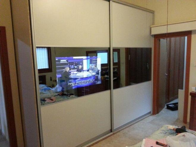 ארון הזזה 2 דלתות עם טלויזיה